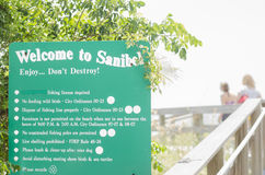 Welcome to Sanibel sign by beach entrance Stock Photos