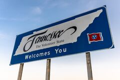 Free Welcome To Tennessee Sign On Highway Royalty Free Stock Photo - 189005465