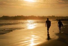 Weligama海滩浪漫风景与惊人的日落的 库存图片