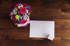 Welkom kaart met bloemen Conceptievakantie, de Dag van Valentine ` s Royalty-vrije Stock Afbeeldingen