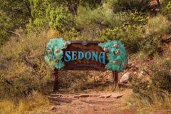 Welkom teken aan Sedona Stock Foto's