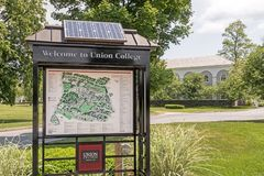 Welkom teken en kaartunie Universiteit stock afbeeldingen