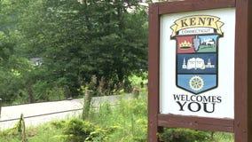 Welkom teken van de stad van Kent, Connecticut stock videobeelden