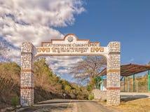 Welkom teken, zoals gezien wanneer het ingaan van Ixcateopan DE Cuauhtemoc, Guerrero Reis in Mexico royalty-vrije stock afbeeldingen