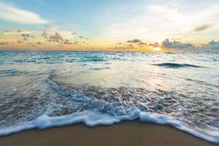 Welle auf dem Strand Lizenzfreie Stockfotografie