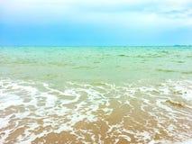 Welle auf dem Strand Lizenzfreies Stockbild