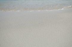 Welle auf dem Strand Lizenzfreie Stockfotos