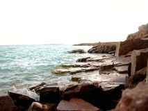 Welle auf der Strandhintergrundbeschaffenheit stock video footage
