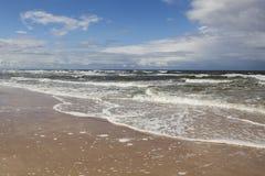 Welle des Meeres auf dem Strand Lizenzfreies Stockbild