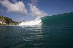 Welle, die Bali einläuft Lizenzfreies Stockfoto