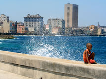 Havana, Kuba, Welle lizenzfreie stockfotografie