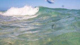 Welle gut für das Surfen stock video footage