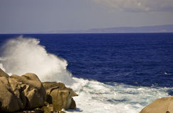 Welle in Sardinien Stockfotografie