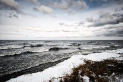 Wellen auf dem Baikalsee Stockbilder