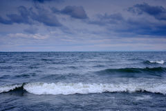 Wellen auf dem Baikalsee Lizenzfreie Stockfotografie