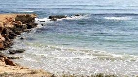 Wellen auf dem Ufer stock video footage