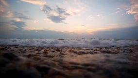 Wellen auf Küste stock video footage