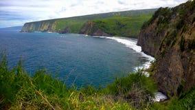 Wellen des Pazifischen Ozeans rollen in die Kona-Küste auf der großen Insel O Lizenzfreie Stockfotografie