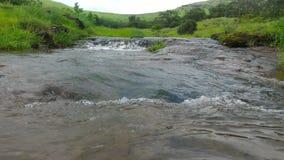 Wellen des reinen Wassers stockbilder