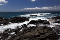 Wellen, die auf Felsen in Napaili brechen Lizenzfreies Stockbild
