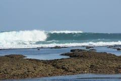 Wellen, die hereinkommen Lizenzfreie Stockbilder