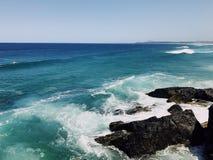 Wellen im Ozean stockbilder