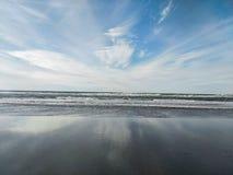 Wellen Long Beach s WA lizenzfreie stockfotografie
