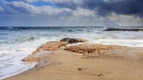 Wellen am Strand Lizenzfreie Stockfotos