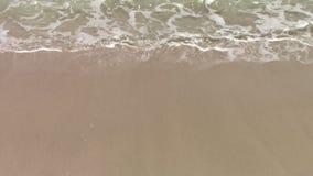 Wellen und Sand stock video