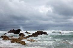 Wellen und Schaumgummi Stockbild