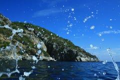 Wellen von der Yacht Stockfoto