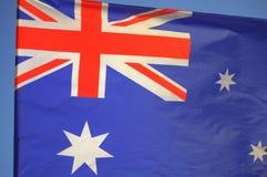 Wellenartig bewegende australische Flagge Stockfotografie