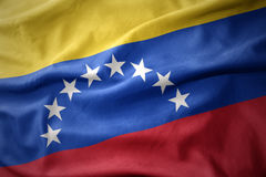 Wellenartig bewegende bunte Flagge von Venezuela Lizenzfreie Stockfotografie