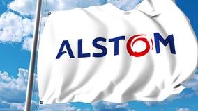 Wellenartig bewegende Flagge mit Alstom-Logo gegen Wolken und Himmel Animation des Leitartikels 4K stock footage