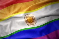 Wellenartig bewegende Flaggenfahne des homosexuellen Stolzes Argentinien-Regenbogens Lizenzfreie Stockfotografie