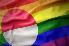 Wellenartig bewegende Flaggenfahne des homosexuellen Stolzes Grönland-Regenbogens Stockfotos