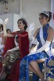 Wellenartig bewegende Prinzessin bei 115. goldenem Dragon Parade, Chinesisches Neujahrsfest, 2014, Jahr des Pferds, Los Angeles,  Stockfotos