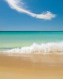 Wellenbrechen lizenzfreies stockbild