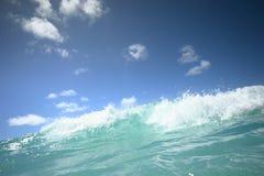 Wellenbrechen Stockfoto