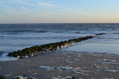Wellenbrecher in Atlantik nahe Berk-sur Mer Lizenzfreies Stockbild