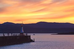 Wellenbrecher bei Sonnenuntergang, Victoria BC Kanada Stockfotografie