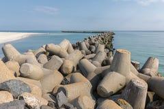 Wellenbrecher von tetrapots in Helgoland-Insel in der deutschen Nordsee Lizenzfreie Stockfotografie