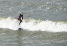 Wellenreiten in Taiwan. Lizenzfreie Stockfotografie