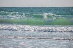 Wellenzusammenstoßen Stockfotos