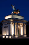 Wellington Arch, Hyde Park Corner, London. The monument to Wellington in the middle of the Hyde Park Corner roundabout, London, at night Stock Images