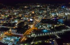 Wellington Harbor District, vue aérienne de nuit images libres de droits