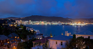 Wellington-Panorama nachts Lizenzfreies Stockfoto
