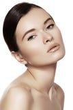 Wellness & brunnsortskönhet Modell med ren hud & naturligt smink Royaltyfri Bild