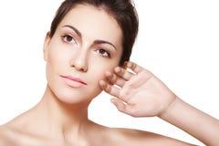 Wellness. Face modelo da mulher com pele limpa saudável Imagem de Stock Royalty Free
