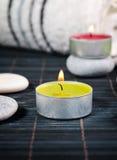 Wellness und Badekurortkonzept mit Kerzen Stockfotografie